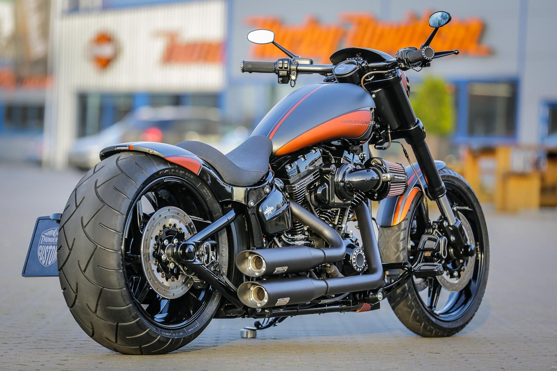 thunderbike sunset h d fxse breakout cvo custom motorcycle. Black Bedroom Furniture Sets. Home Design Ideas